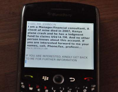 a scammer's text message