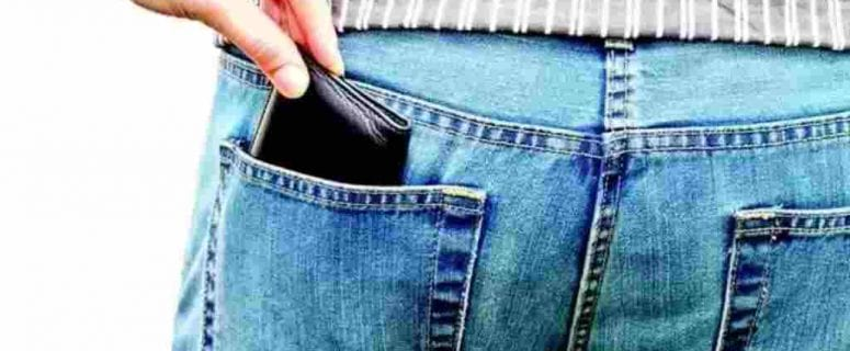 how to pickpocket someone